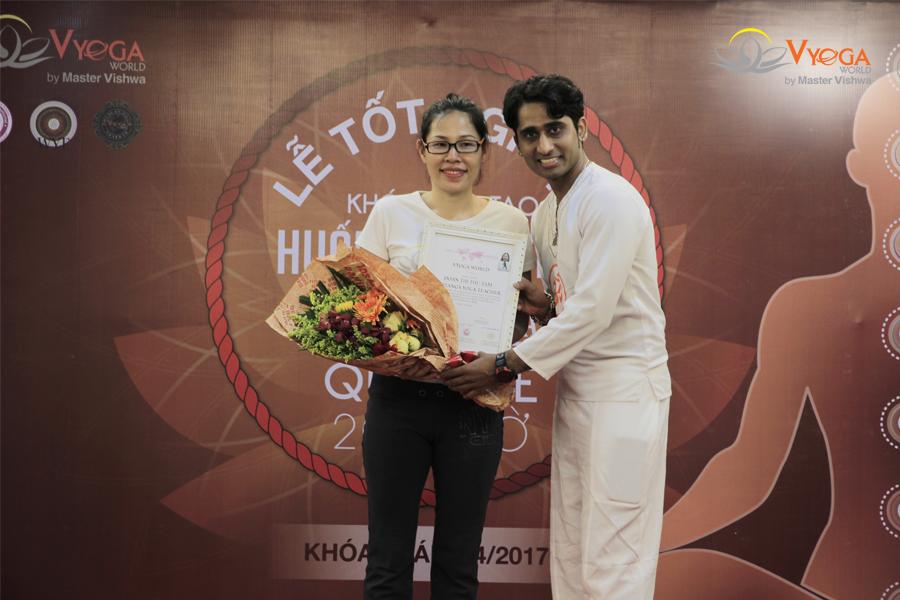 Bế Giảng Khóa Đào Tạo HLV Ashtanga Yoga 200 Giờ 2017