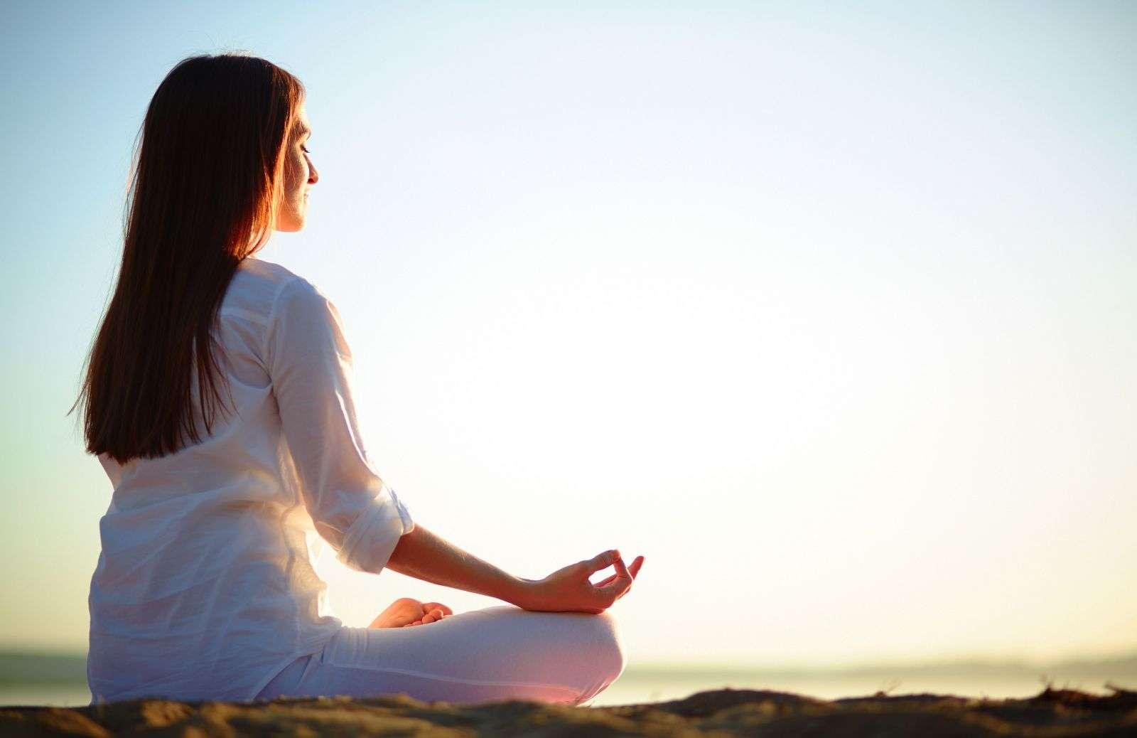Giải đáp câu hỏi: Thiền khác yoga như thế nào?